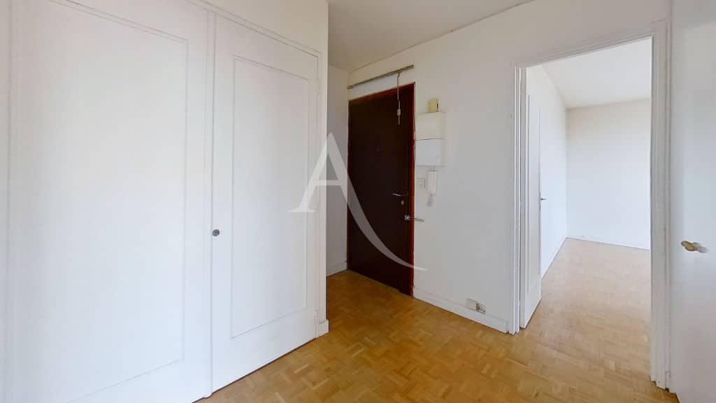 achat vente appartement, 4 pièces 95 m² - hall d'entrée avec placards intégrés