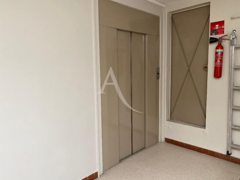 agence immobiliere 94, vend appartement 4 pièces 95 m² - dernier étage avec ascenseur