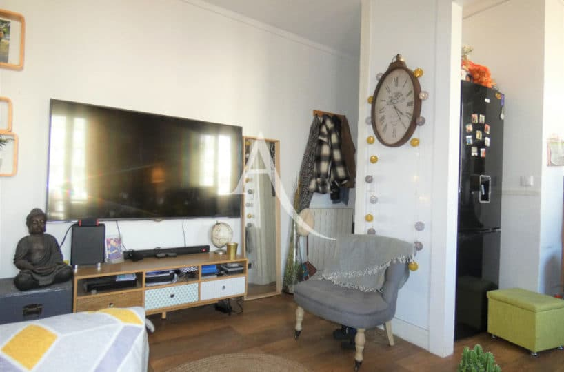 location appartement val de marne: appartement 2 pièces 30 m² meublé, séjour avec cuisine ouverte