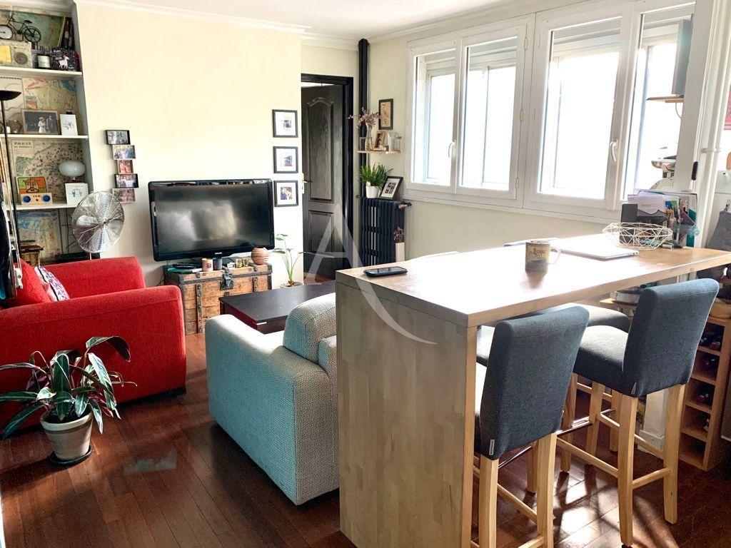 immobilier saint maurice: appartement 3 pièces 49 m², cuisine équipée ouverte