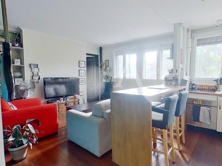 agence immobiliere saint maurice: appartement 3 pièces 49 m², cuisine aménagée et équipée