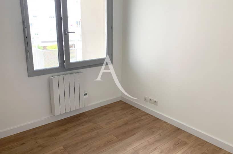 agence immobilière 94 - appartement ivry sur seine 2 pièces 43 m² - chambre claire vue dégagée