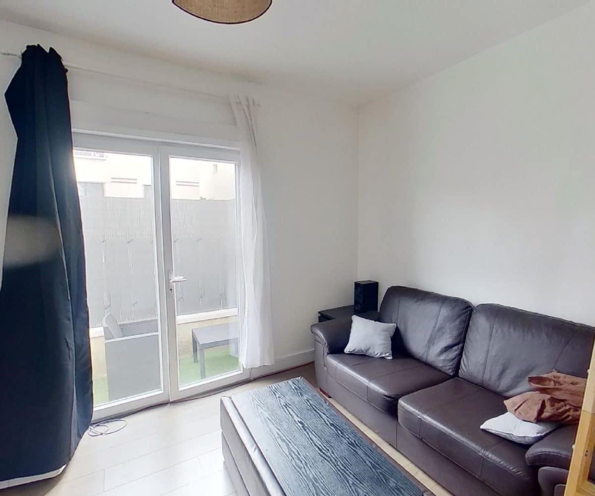 immobilier 94: maison 3 pièces 55 m², st maur des fossés, séjour lumineux avec terrasse