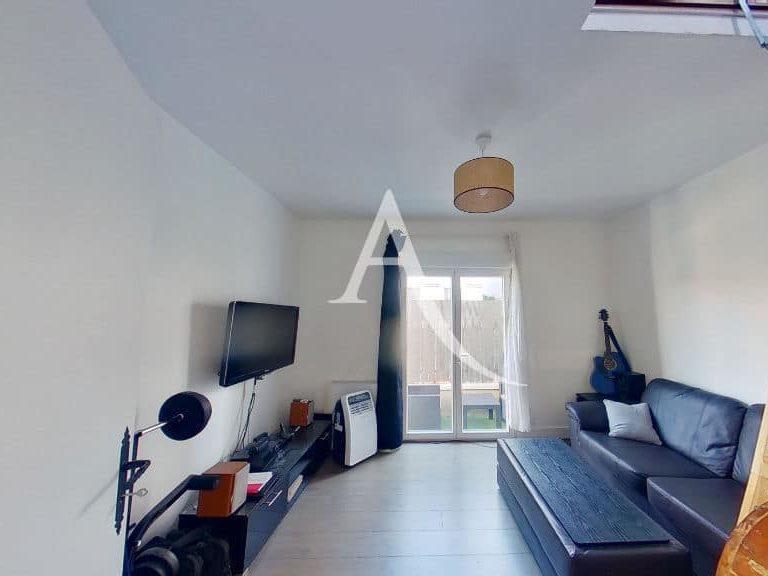immobilier 94: maison 3 pièces 40 m², st maur des fossés, première chambre lumineuse