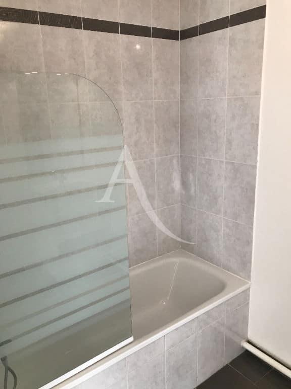 location appartement 94: appartement 3 pièces 62 m²,  salle de bains et un wc séparé