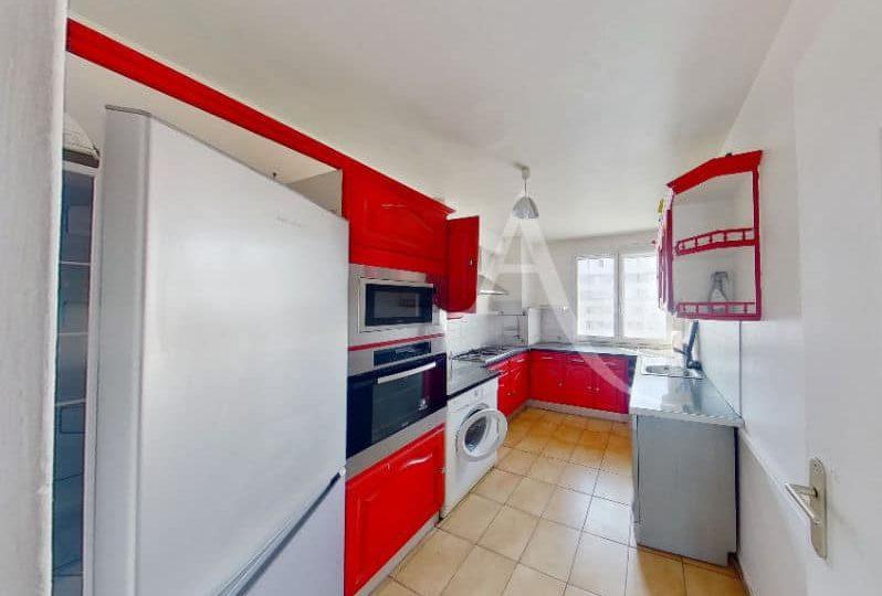 immobilier a louer: appartement 4 pièces 66 m², cuisine indépendante aménagée et équipée
