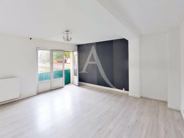 agence location immobiliere: appartement maison alfort 2 pièces 51 m², séjour avec balcon vue dégagée