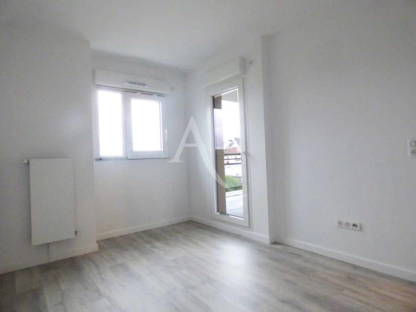 direct agence immobiliere: le perreux sur marne, 2 pièces, chambre avec accès terrasse