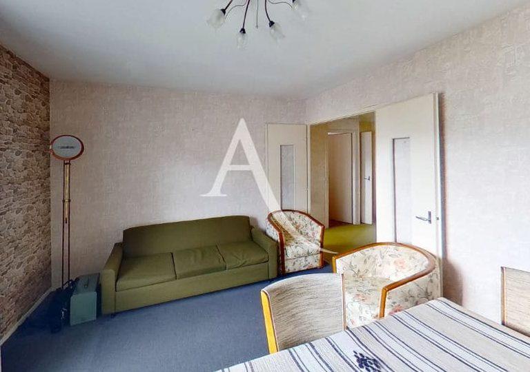 agence immobilière val de marne, vend 4 pièces 66 m² à vitry, séjour lumineux avec balcon
