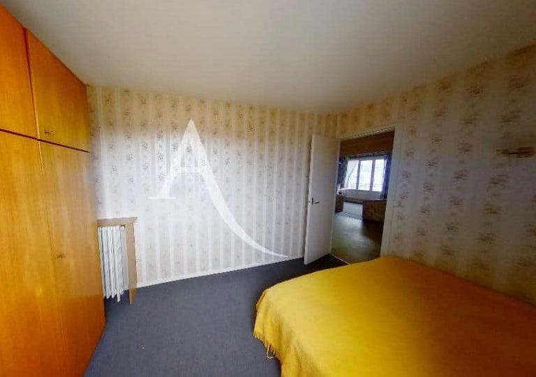 94 immobilier: vitry sur seine, 4 pièces 66 m², trosième chambre accès vers le hall d'entrée