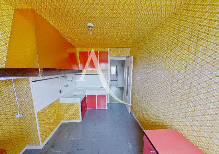 adresse valerie immobilier: appartement 4 pièces 66 m², cuisine indépendante avec hote et rangements