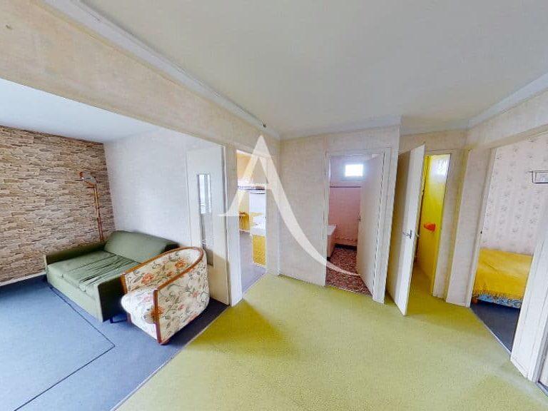 immobilier à vendre: 4 pièces 66 m² à vitry, hall d'entrée avec penderie intégré et accès vers toutes les pièces