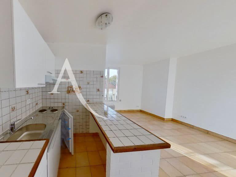agence immobilière alfortville: studio 20 m², cuisine us aménagée et équipée, rangements