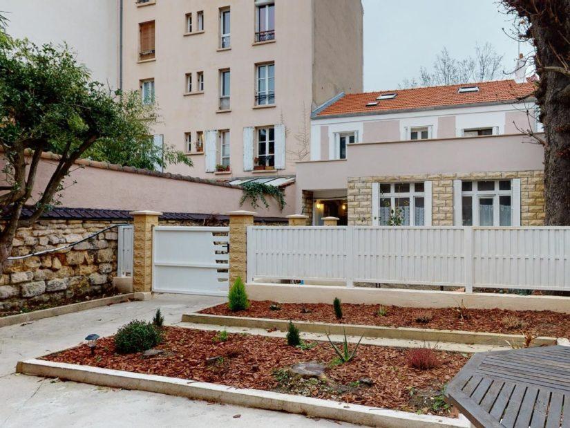 vente maison à charenton: 4 pièces 90 m², terrasse, véranda et jardin coté rue