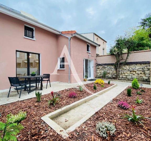 vente maison à charenton: 4 pièces 90 m², terrasse, véranda et cour intérieure derrière la maison