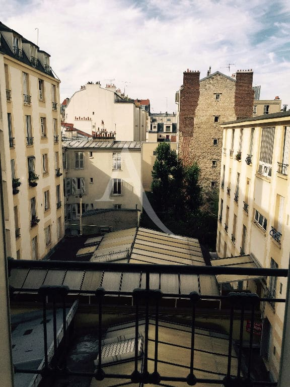 agence immobiliere 94: studio meublé 16 m² refait à neuf à louer secteur prisé à vincennes, vue sur cour calme