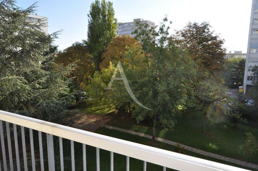 location maison alfort: studio 30 m² avec grand balcon dans jolie résidence arborée