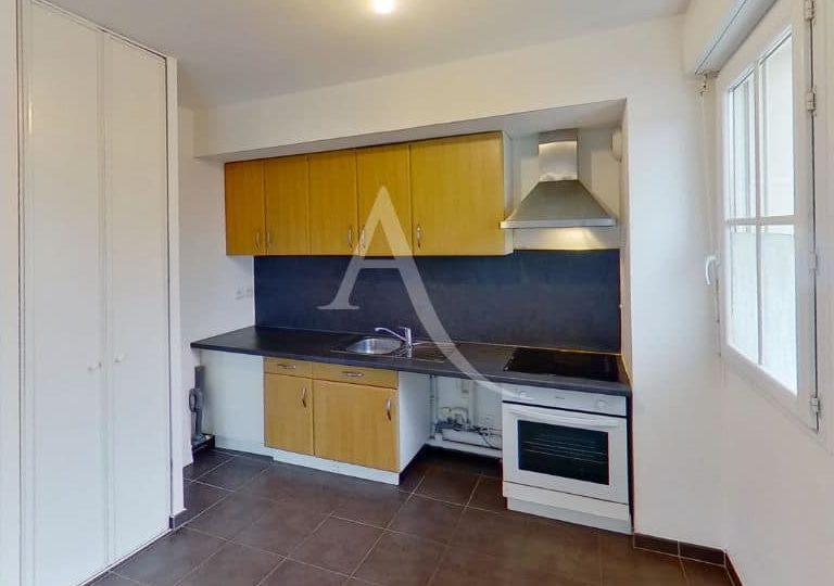 location appartement val de marne: appartement 2 pièces 49 m², cuisine ouverte aménagée avec four, hote, ...