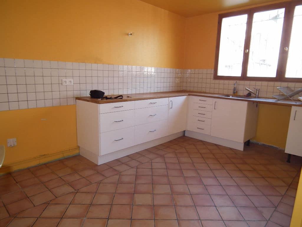 l adresse alfortville: maison 6 pièces 179 m², cuisine aménagée, nombreux rangements