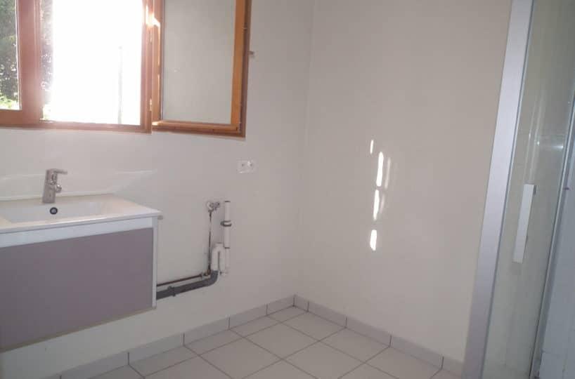 direct immobilier alfortville: maison 6 pièces 179 m², salle d'eau avec douche
