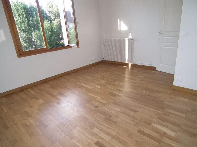 immobilier maison: maison 6 pièces 179 m², chambre à coucher lumineuse