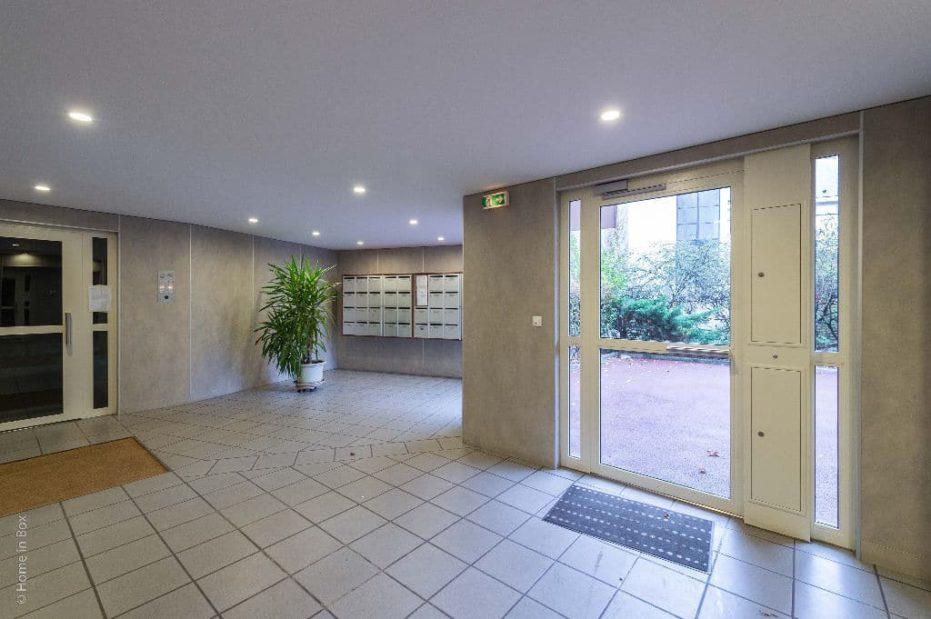 appartement à vendre à charenton: appartement 3 pièces 68 m², immeuble récent avec ascenseur et interphone