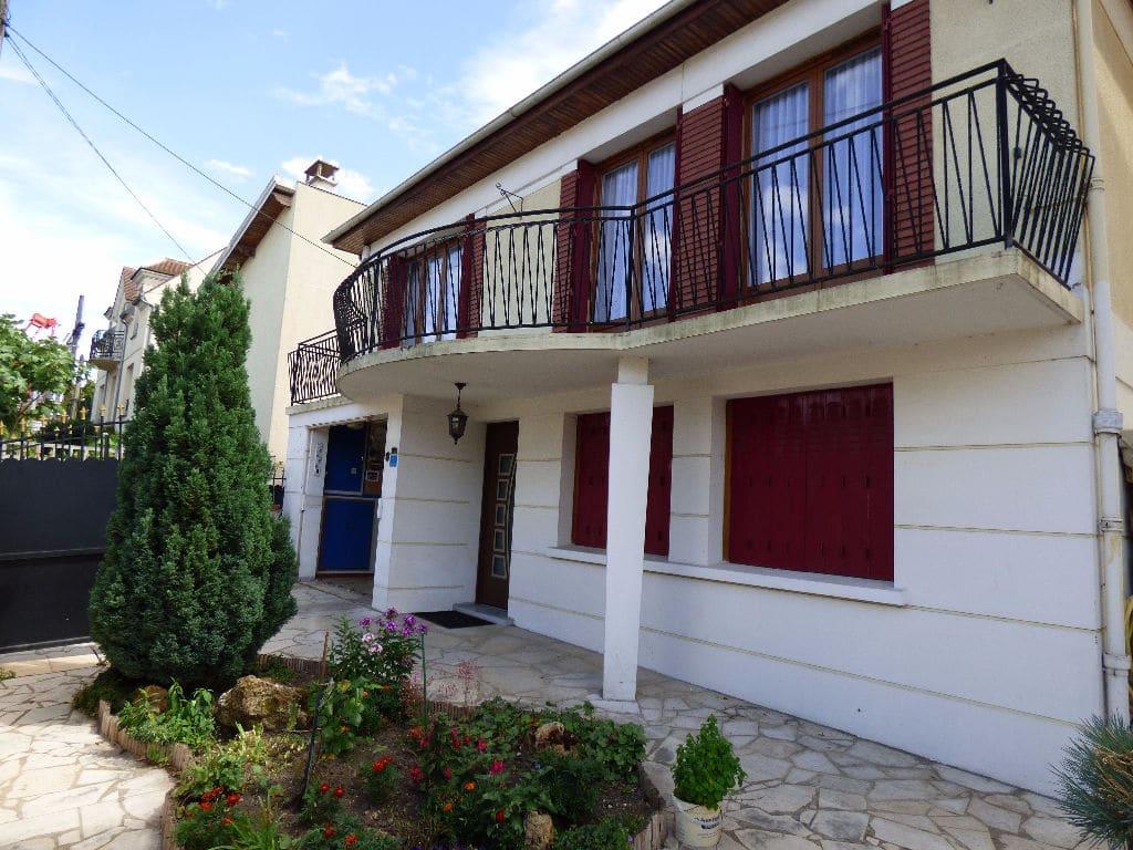 maison a vendre a alfortville: 6 pièces 143 m² sur 3 niveaux, secteur rer d futur grand paris