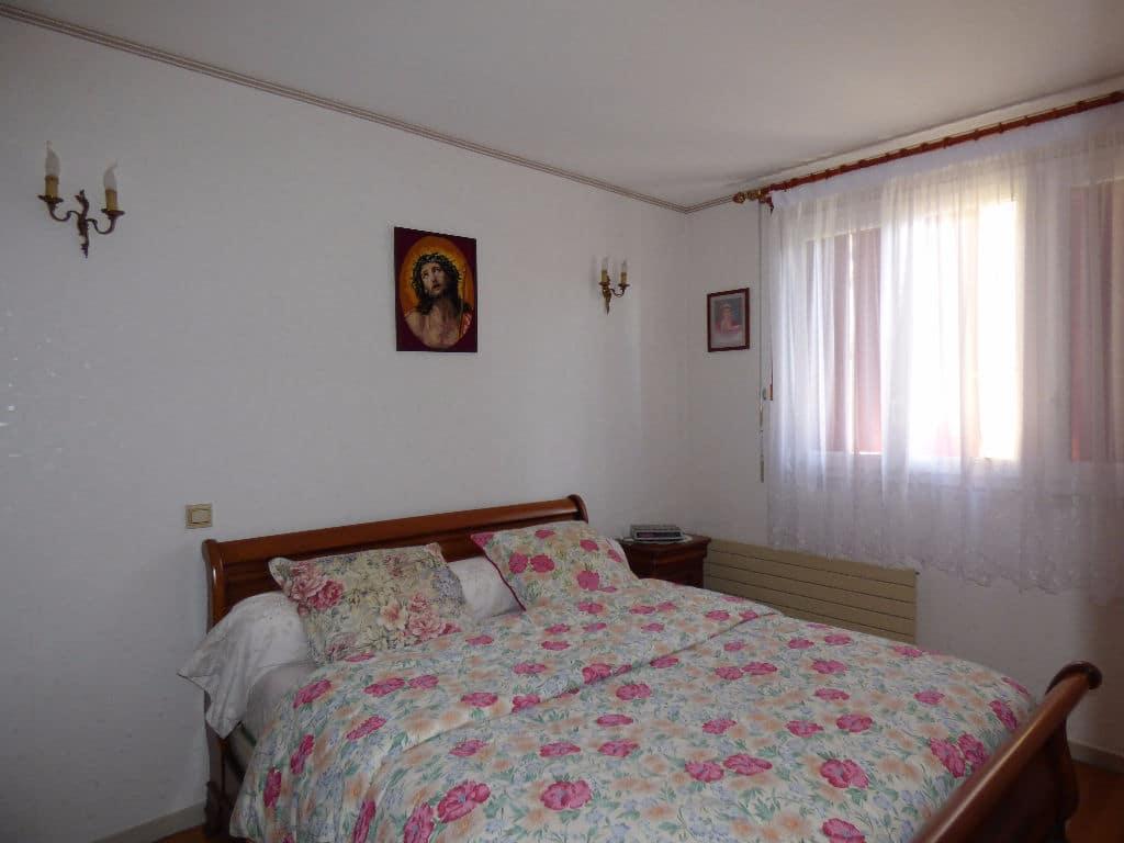 agence immobilière 94: à vendre maison 6 pièces 143 m², chambre à coucher