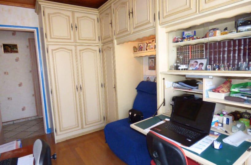agence immo 94: maison 6 pièces, pièce pouvant servir de bureau, rangements