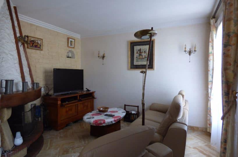 adresse alfortville: maison 6 pièces 143 m², salon, bon état général