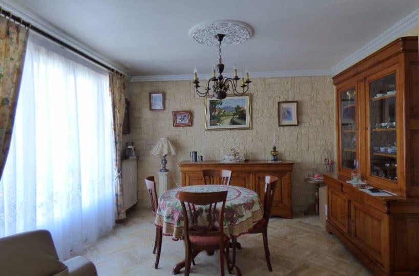 agence immobilière val de marne: maison 6 pièces 143 m², salle à manger lumineuse