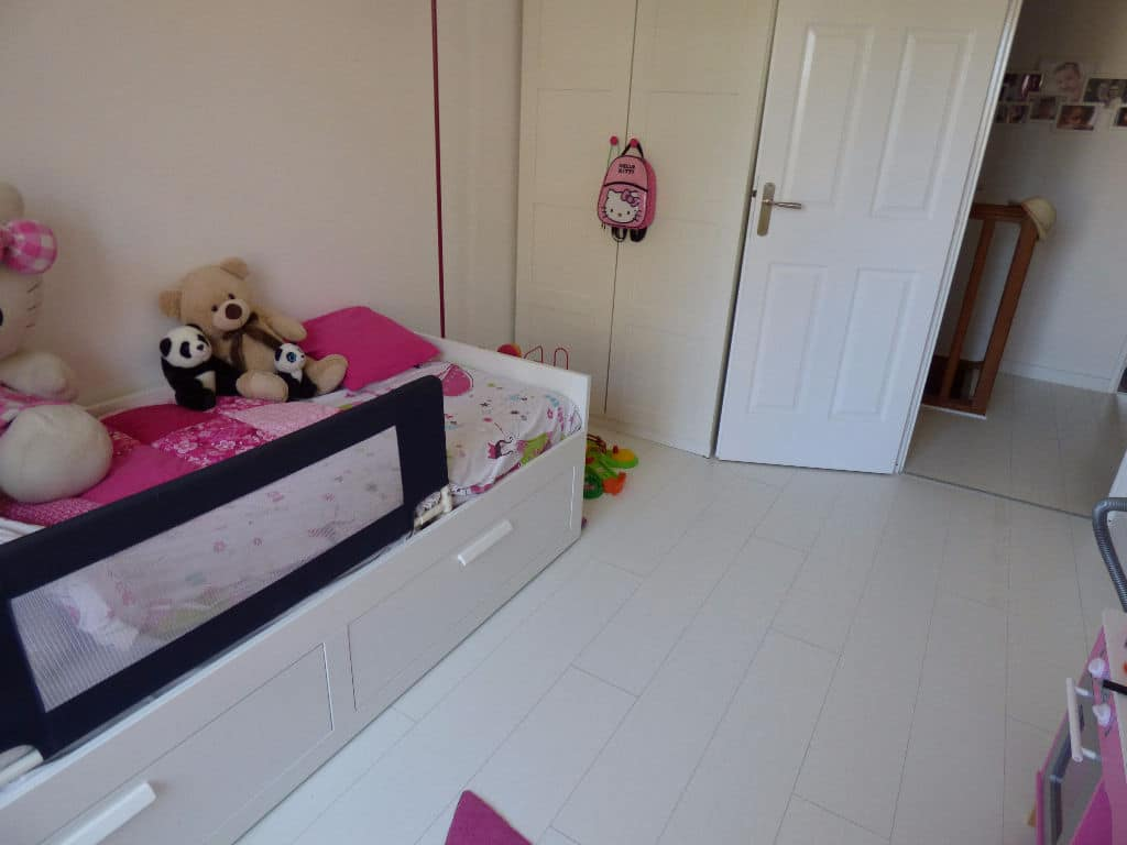 immo 94: maison 5 pièces 78 m², chambre enfant lumineuse et spacieuse
