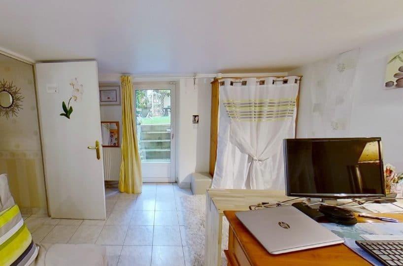 vente direct immo: maison 9 pièces 200 m², étage inférieur: magnifique pièce pour bureau