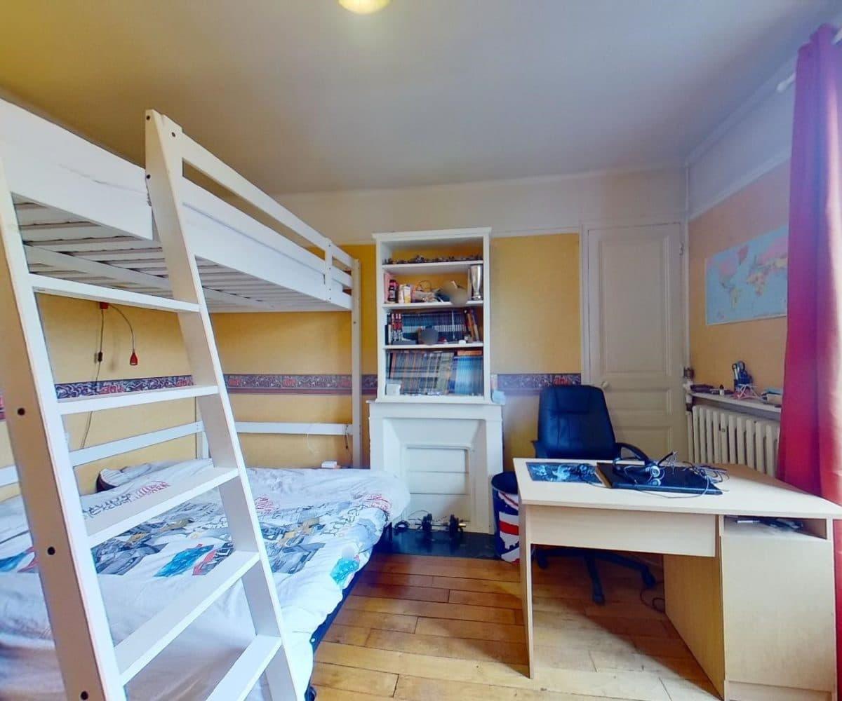 point de vente immobilier: maison 9 pièces 200 m², à l'étage,: chambre, parquet au sol