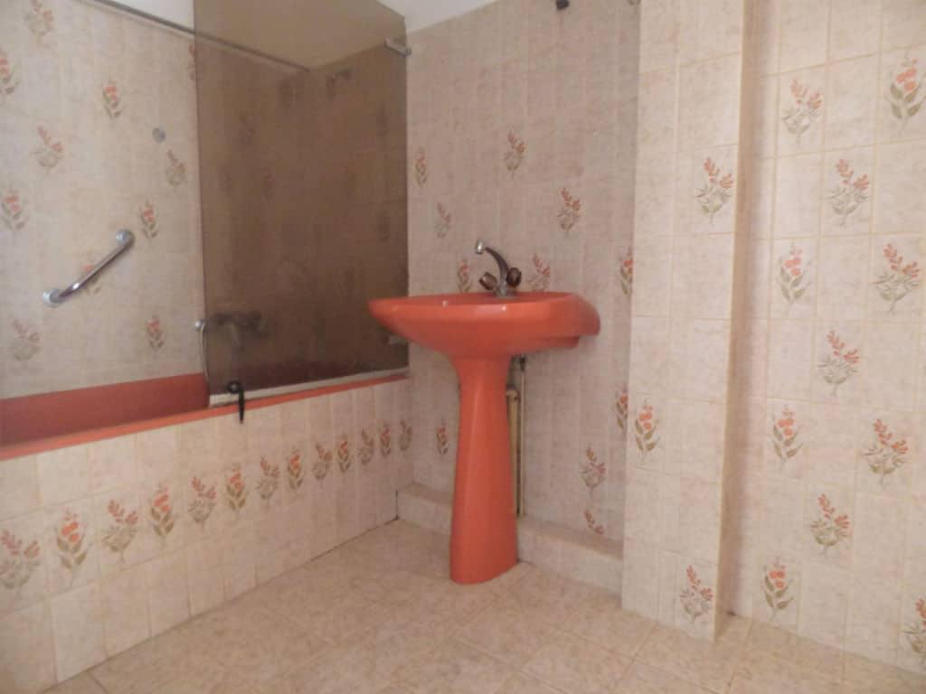 agences immobilières maisons alfort: 3 pièces, salle de bain avec baignoire, wc séparé