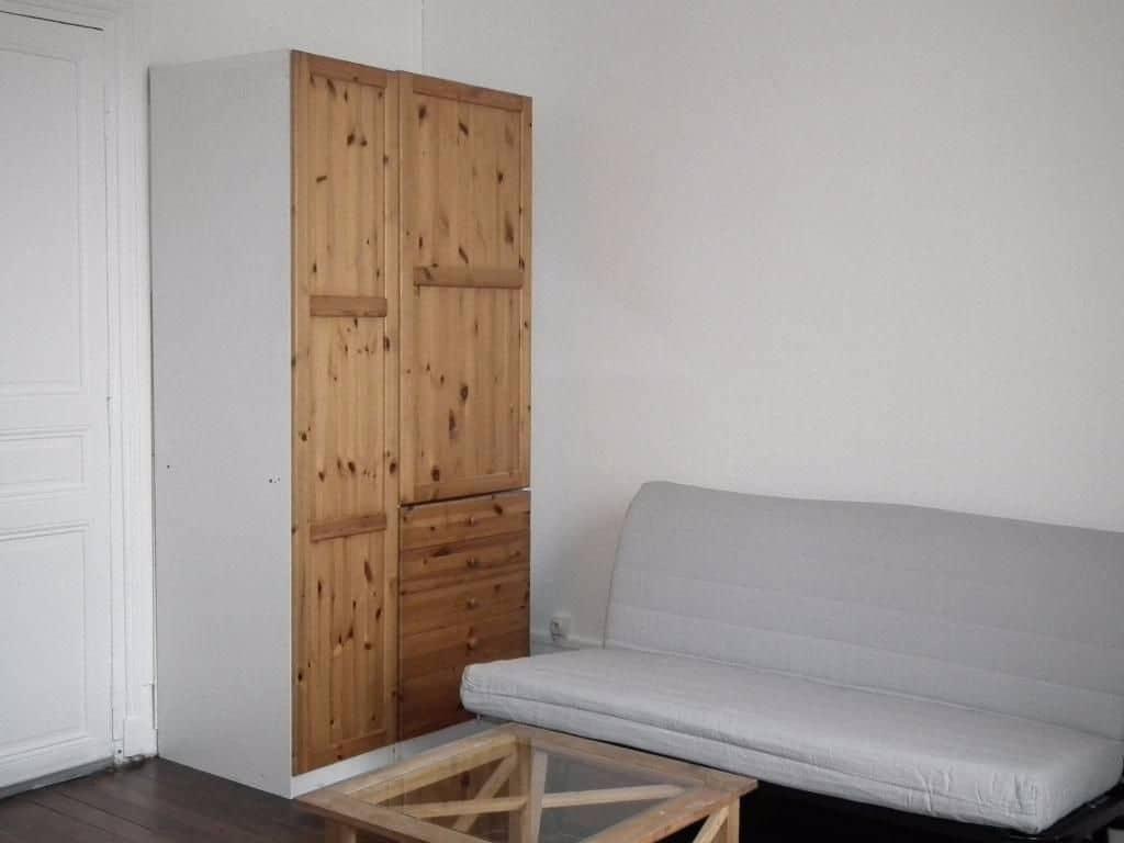 estimation appartement alfortville: studio 18 m², pièce à vivre avec parquet au sol