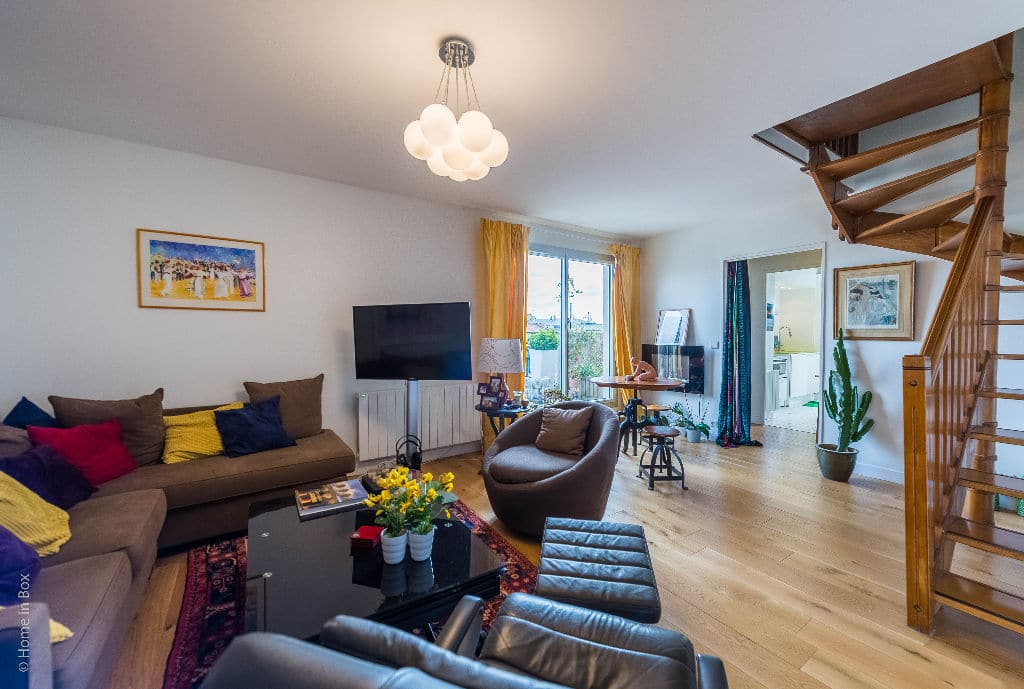 agence immobilière charenton-le-pont: 3 pièces 74 m², double séjour avec escalier étage