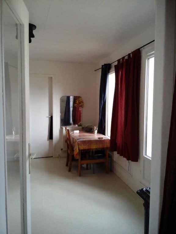 vente appartement alfortville: 29 m² secteur carnot, pièce à vivre lumineuse