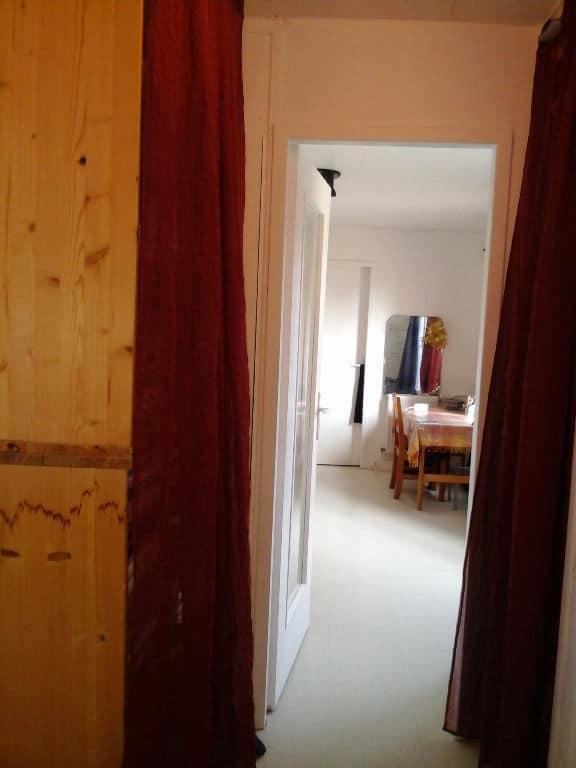faire estimer appartement alfortville: 29 m², pièce à vivre avec porte