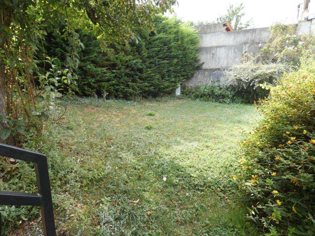 maison a vendre alfortville: 7 pièces 170 m², aperçu du jardin verdoyant 300 m²