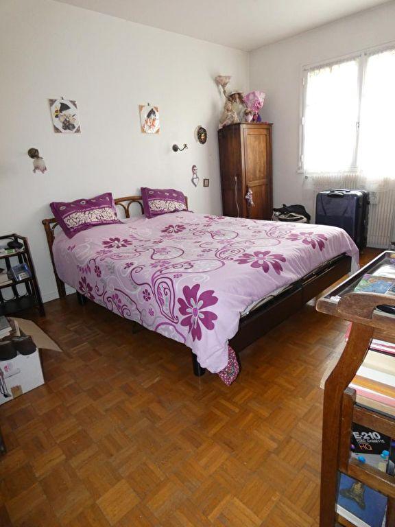 pavillon alfortville: 7 pièces 170 m² à vendre, seconde chambre (sur 5) à l'étage