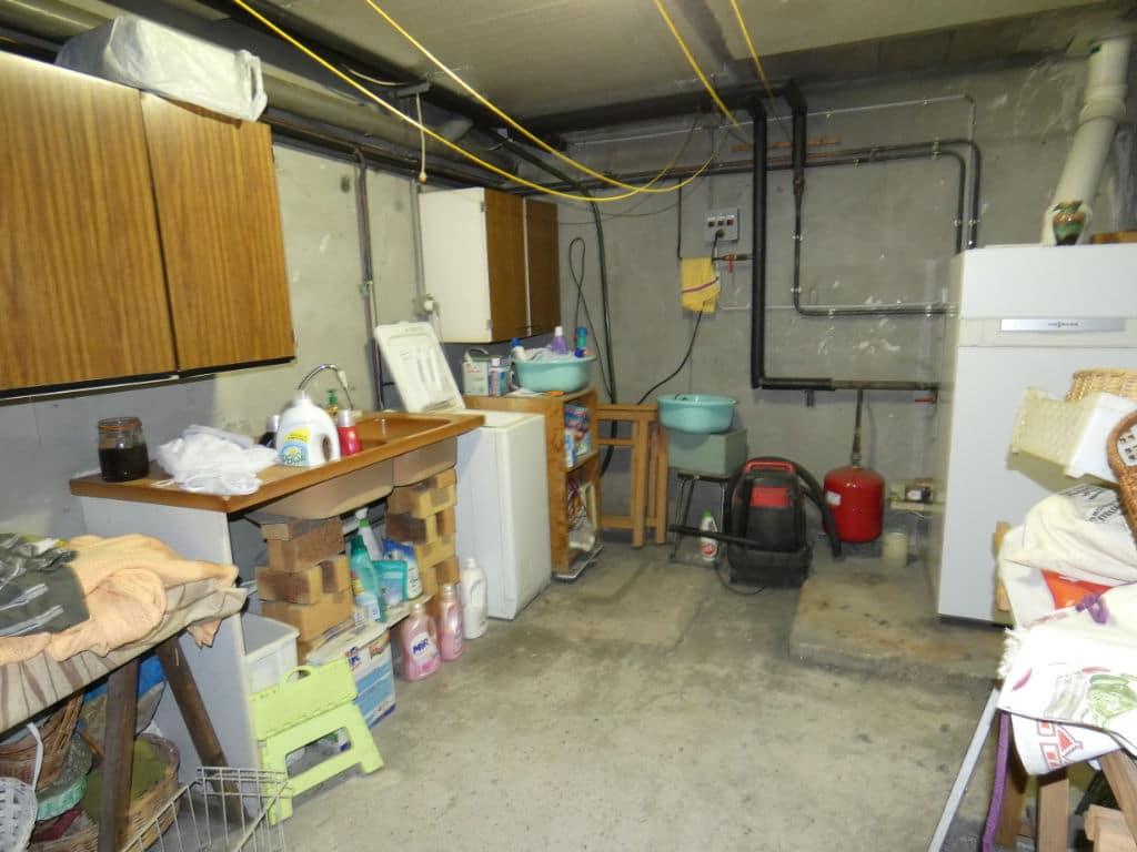 estimation en ligne maison: 7 pièces 170 m², avec sous sol et garage