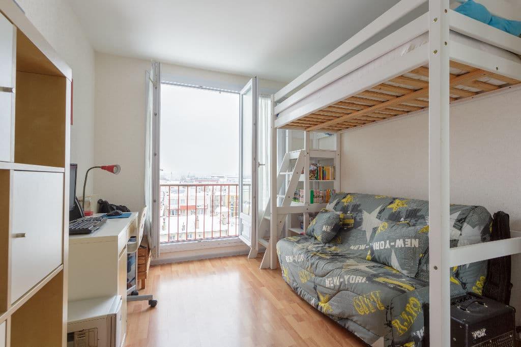 agence immo alfortville: 3 pièces 74 m², deuxième chambre lit superposé /  canapé