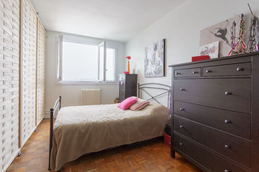 appartement a vendre alfortville: 3 pièces 74 m², espace nuit aménagé dans le double séjour