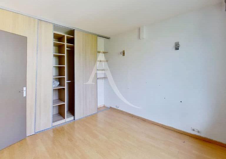 vente pavillon alfortville: 2 pièces 69 m², chambre avec armoire/penderie encastrée