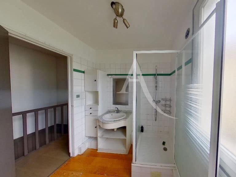 maison a vendre a alfortville: 2 pièces 69 m², salle d'eau au 1° étage