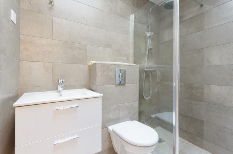 immo maisons alfort: appartement loft 4 pièces 93 m², salle de bain avec baignoire et wc