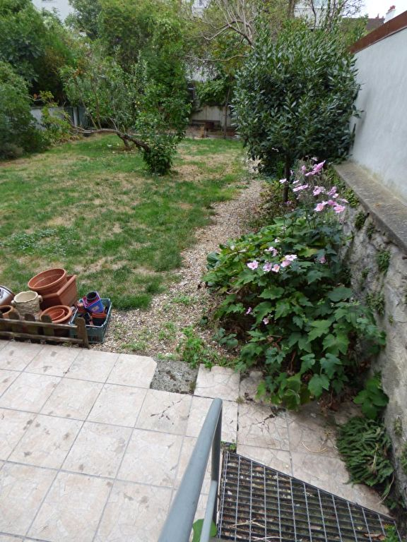 faire estimer appartement alfortville: 3 pièces 51 m², escaliers qui desservent le jardin