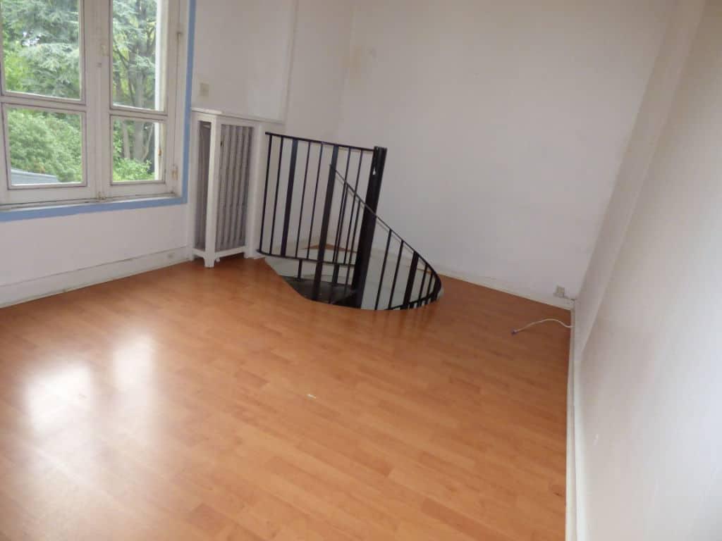 alfortville immobilier: 3 pièces 51 m², chambre lumineuse à l'étage