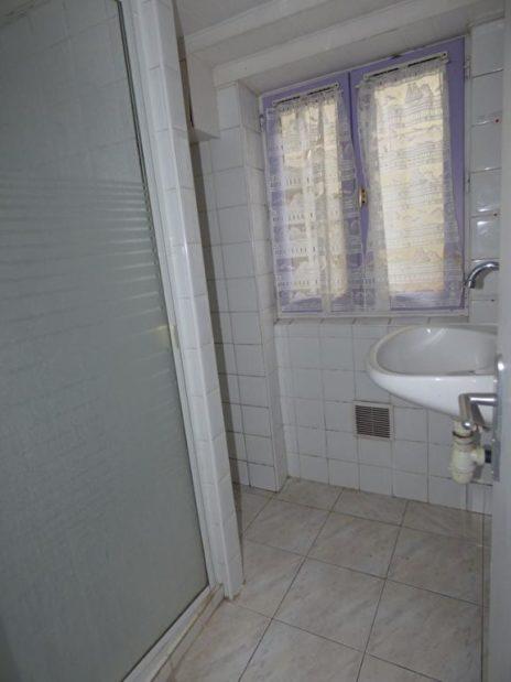 estimation alfortville: 3 pièces 51 m², salle d'eau au sous-sol avec cabine de douche